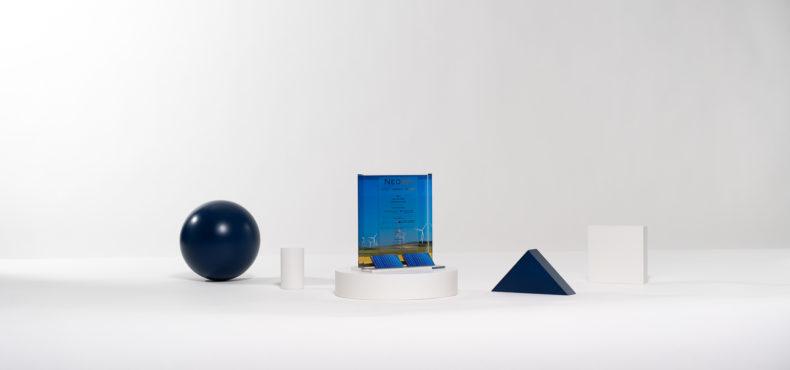 E02 : Plexiglas bespoke deal toy