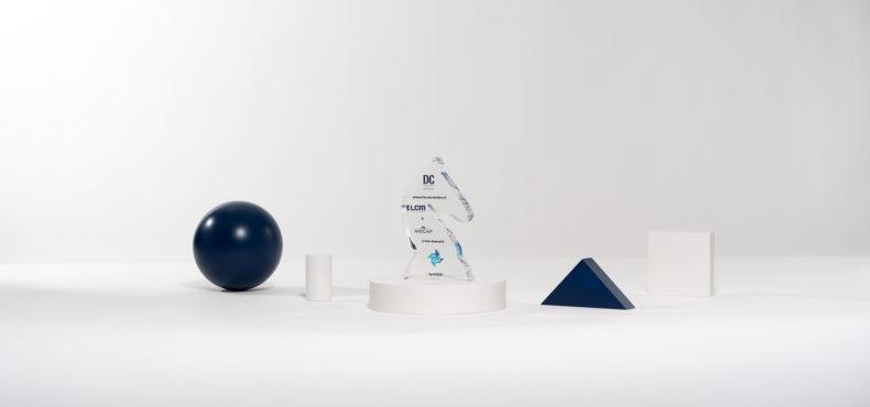 FB02 : Plexiglas bespoke deal toy