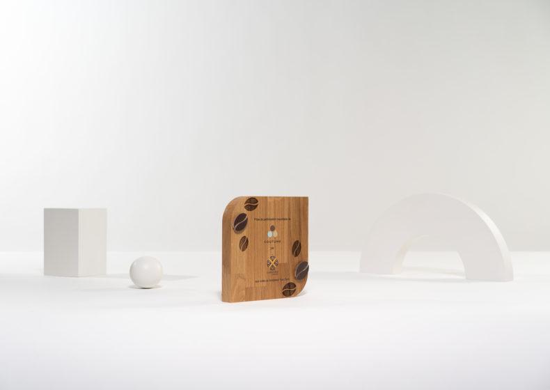 GC04 : Tombstone sur mesure en bois et plexiglas