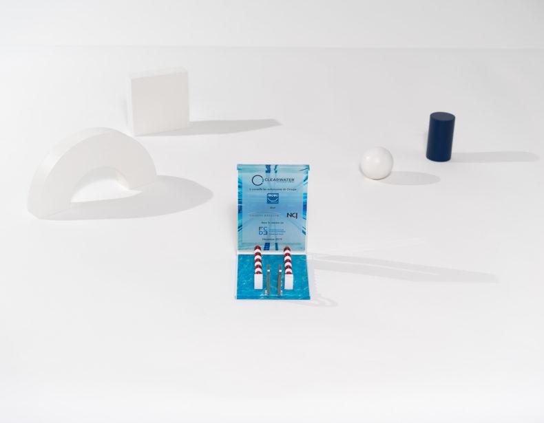 ME01 : plexiglas bespoke deal toy
