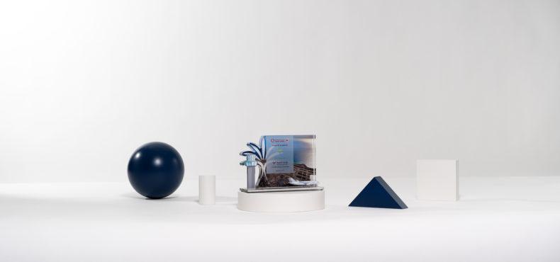 TL02 : Plexiglas bespoke deal toy