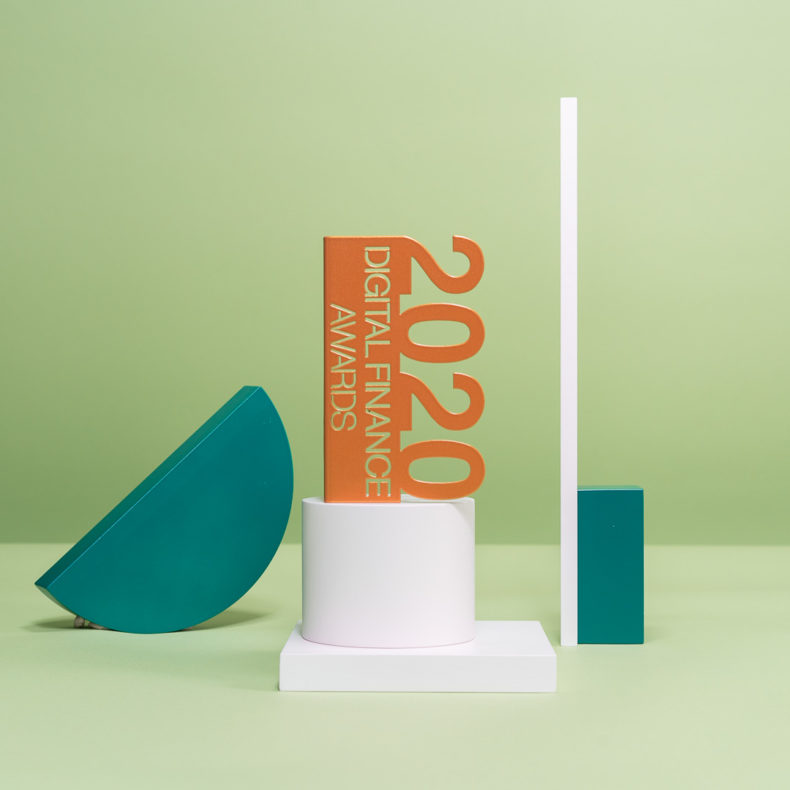 M07 : Bespoke folded metal award