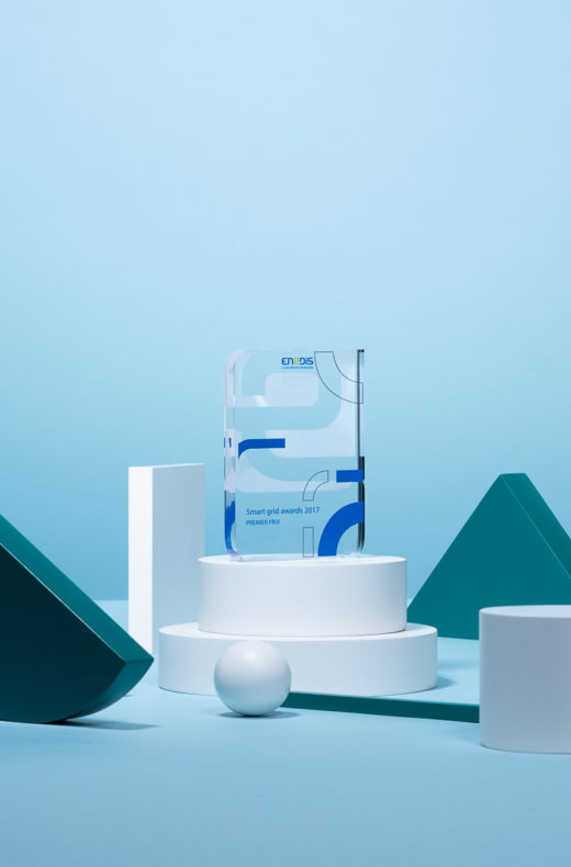 P08 : Bespoke plexiglas award