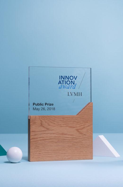 P11 : Bespoke plexiglas & wood award