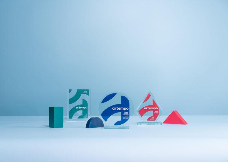 V04 : Trophées en verre sur mesure